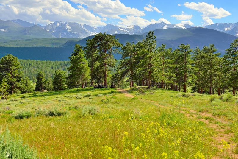 Het schitterende rotsachtige hoge alpiene landschap van het bergen nationale park, Colorado stock fotografie