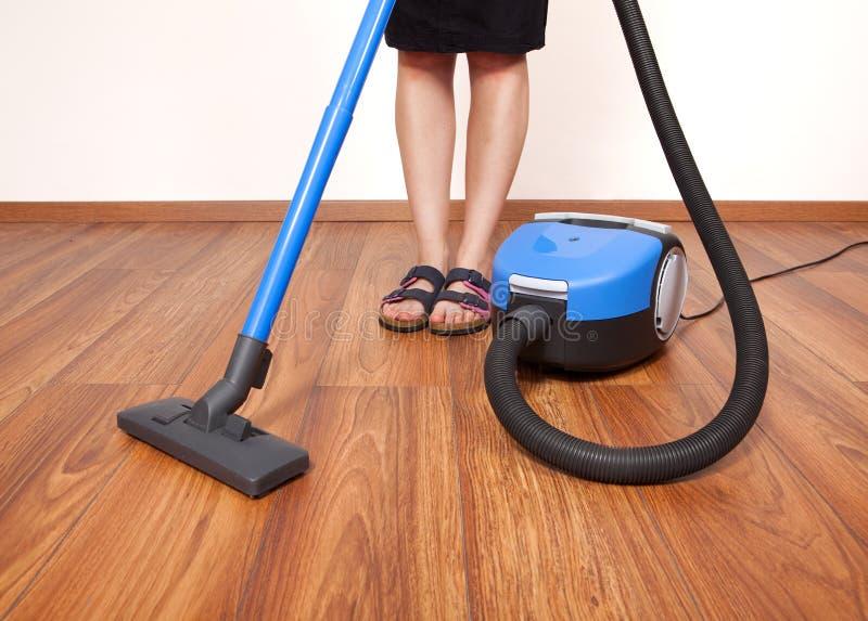 Het schoonmaken van de vloer royalty-vrije stock afbeelding