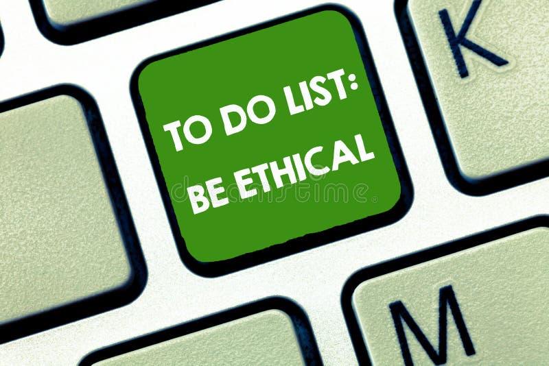 Het schrijven de nota die Lijst tonen te doen Ethisch is De bedrijfsfoto demonstratie plant of herinnering die in een ethische cu royalty-vrije stock afbeelding