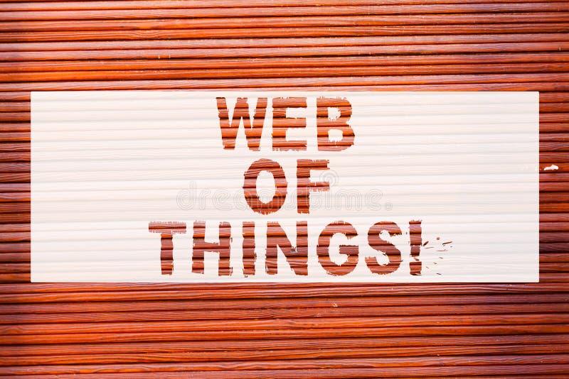Het schrijven nota die Web van Dingen tonen Bedrijfsfoto die Internet-communicatie van de technologie online moderne datadienst B stock afbeelding