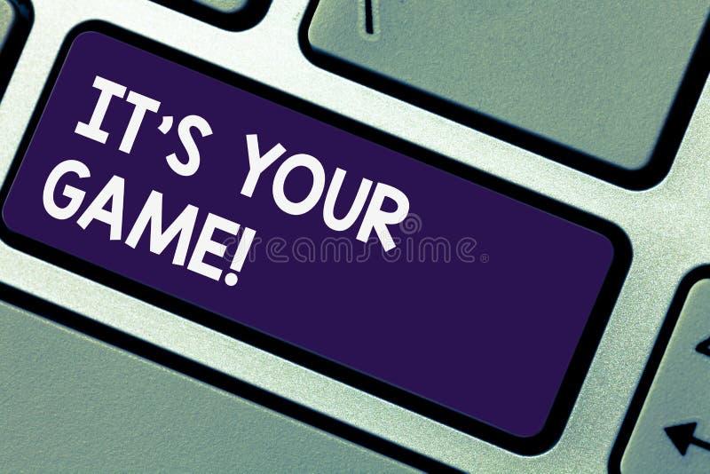 Het schrijven nota showingIt S Uw Spel De bedrijfsfoto die u is uw eigen strategieën van plan om het Toetsenbordsleutel van de su stock foto