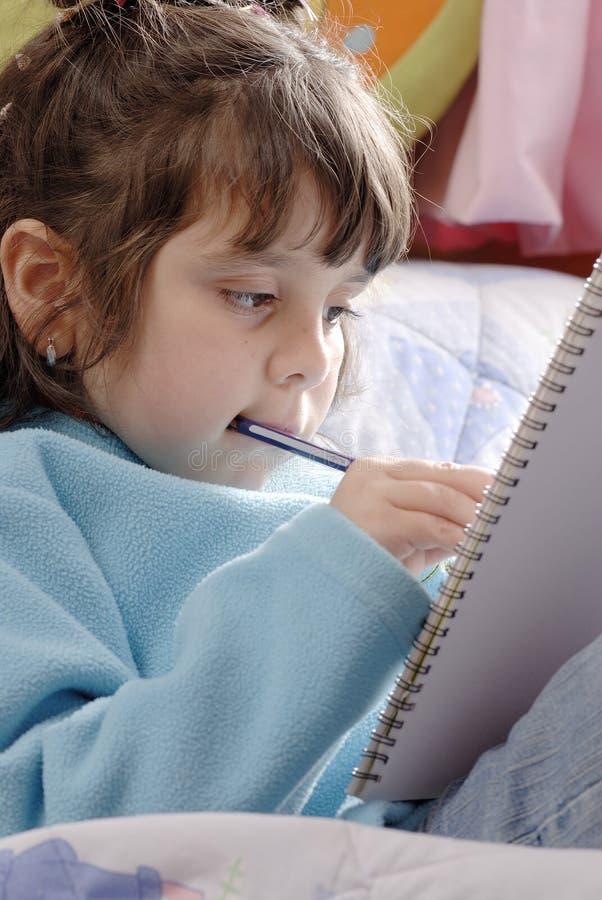 Het schrijven van het meisje royalty-vrije stock foto's