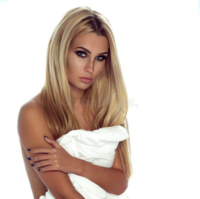 Het sexy blondevrouw stellen stock fotografie