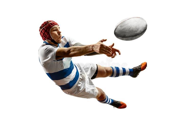 Het silhouet van één Kaukasische rugby mannelijke speler die op witte achtergrond wordt geïsoleerd royalty-vrije stock afbeelding