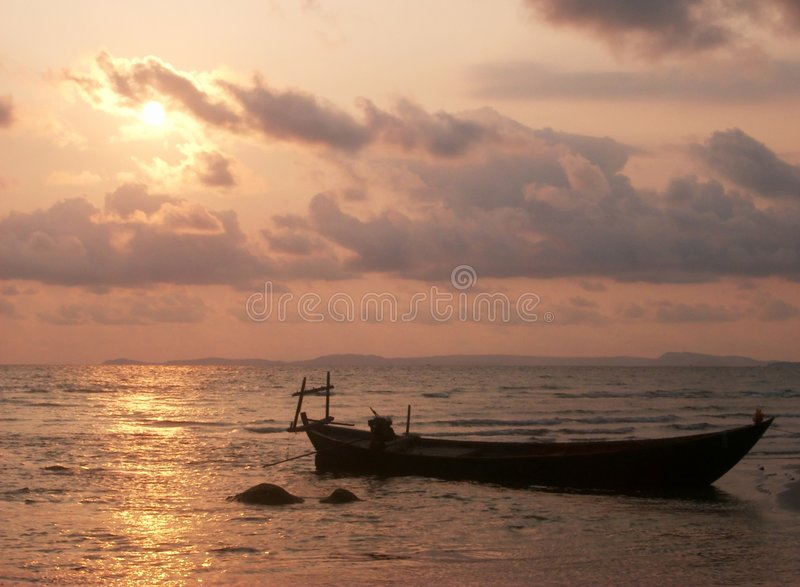 Het Silhouet van de boot stock foto
