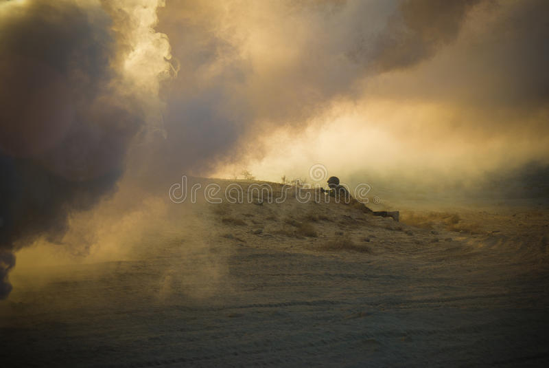 Het Silhouet van de militair stock foto's
