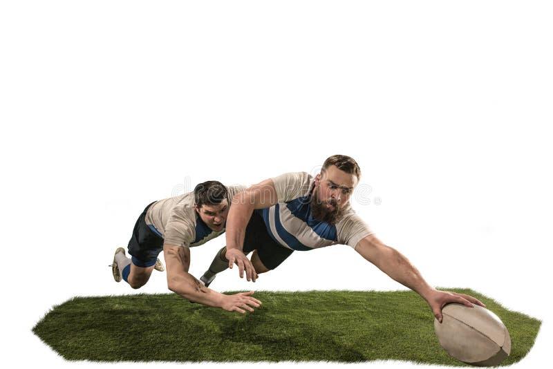 Het silhouet van twee de Kaukasische die speler van de rugbymens op witte achtergrond wordt geïsoleerd stock afbeelding