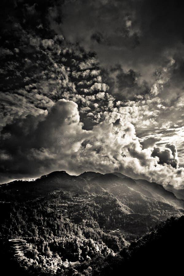Het Sindhupalchowk-districtslandschap op Tibetaanse borde van Nepal/ stock afbeeldingen