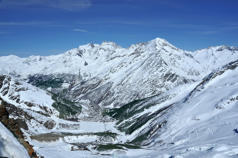 Het skiån van de Prijs van Saas toevlucht royalty-vrije stock fotografie