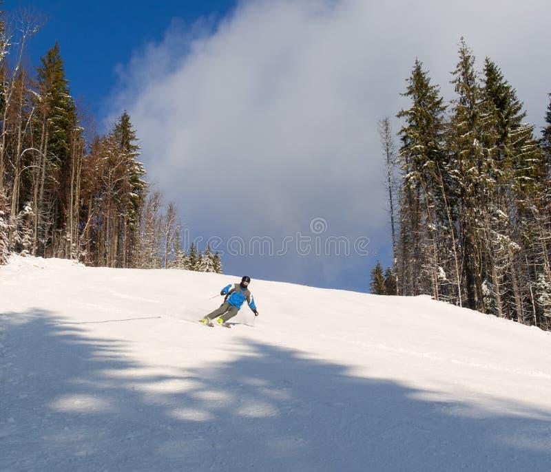 Het ski?en in Bukovel stock fotografie