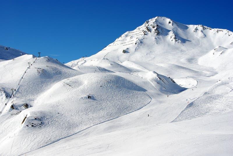 Het ski?en hellingen stock foto's