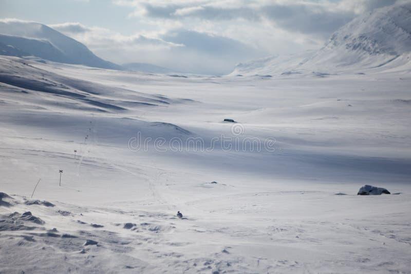 Het ski?en spoor op Kungsleden stock afbeeldingen