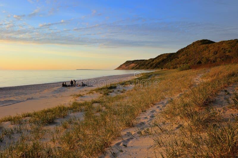 Het slapen draagt het Meer Michigan van de Zonsondergang van Duinen stock fotografie
