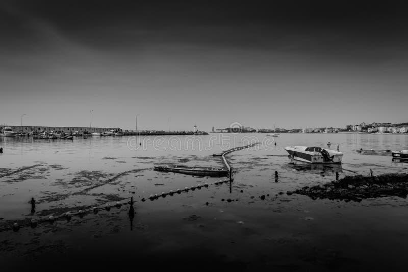 Het Slechte Weer van Marina And Fishermen Shelter In royalty-vrije stock foto