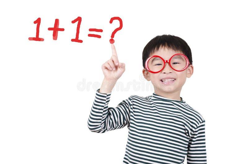 Het slimme leuke jongen denken stock fotografie