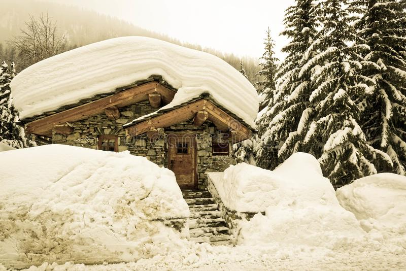 Het sneeuw Oude Dorp van Val D ` Isère stock foto