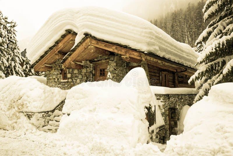 Het sneeuw Oude Dorp van Val D ` Isère stock afbeeldingen
