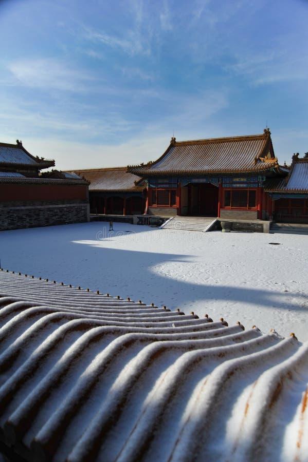Het sneeuwlandschap van het Keizerpaleis in Peking stock foto's