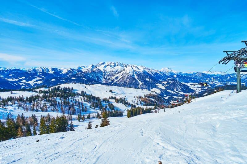 Het sneeuwlandschap van Zwieselalm-berg, Gosau, Oostenrijk stock foto