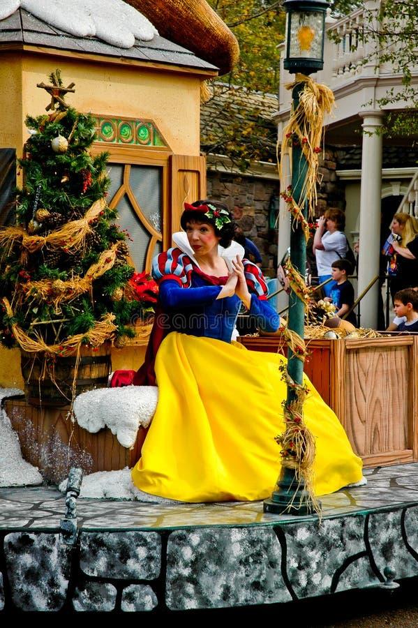 Het Sneeuwwitje van het Karakter van Disney in de parade van de Vakantie. stock afbeeldingen