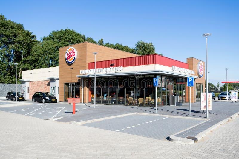Het snelle voedselrestaurant van Burger King in Spijkenisse, Nederland stock afbeeldingen