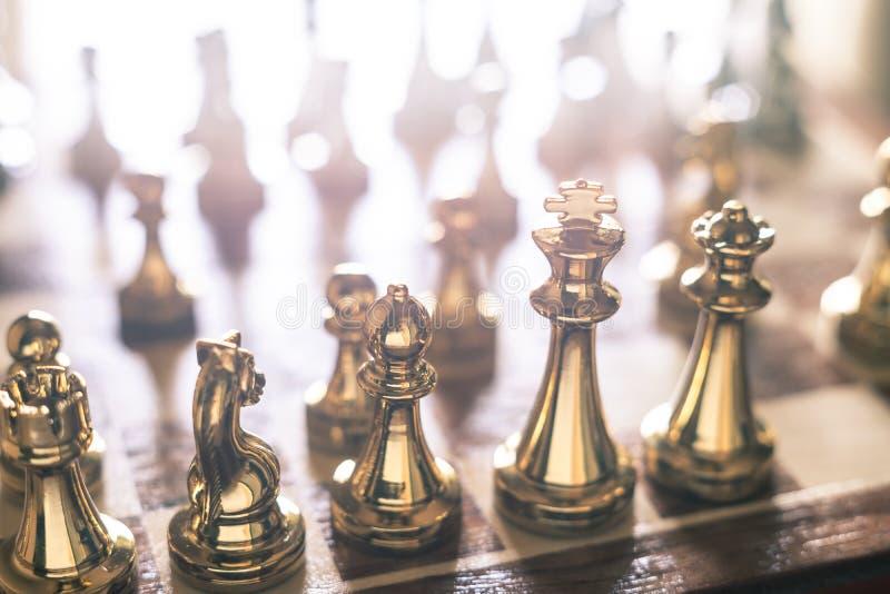 Het spel van de schaakraad, bedrijfs concurrerend concept, exemplaarruimte stock fotografie