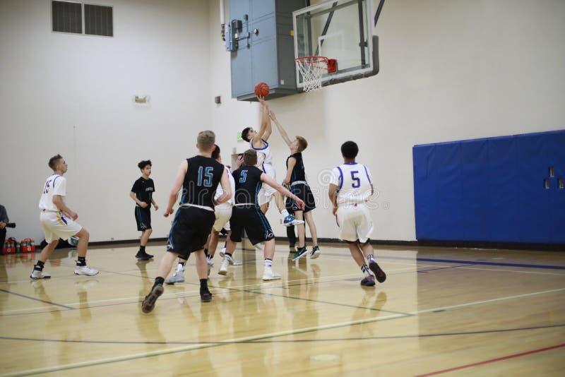 Het Spel van het middelbare schoolbasketbal stock foto