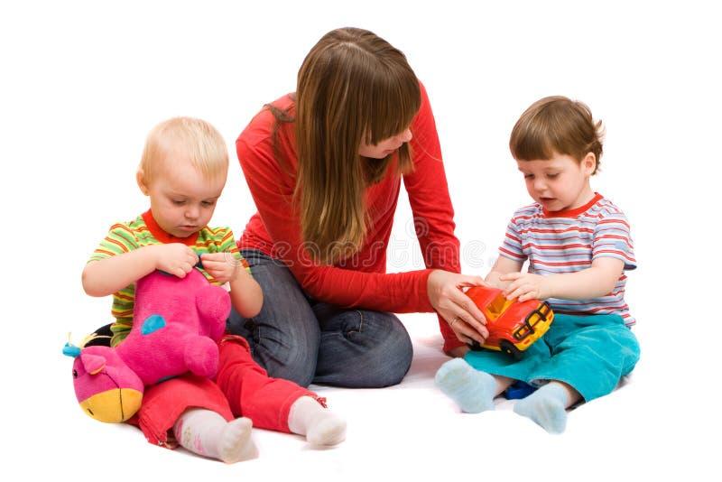 Het spelen met kinderen royalty-vrije stock afbeeldingen