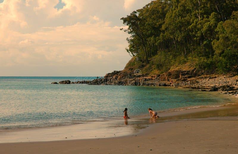 Download Het spelen op het Strand stock afbeelding. Afbeelding bestaande uit zand - 292707