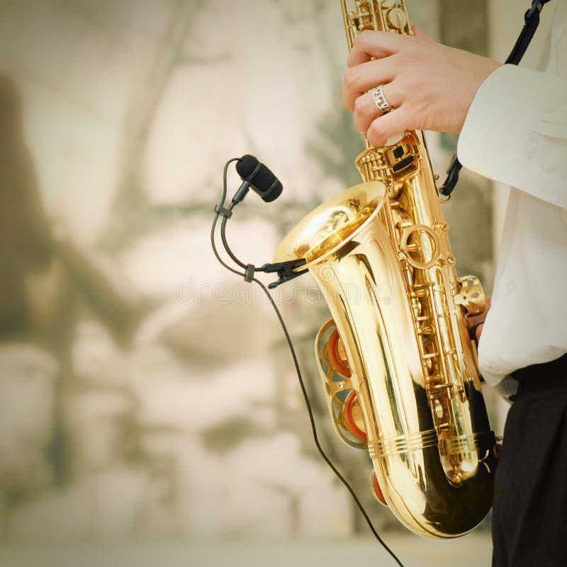 Het spelen op saxofoon royalty-vrije stock foto's