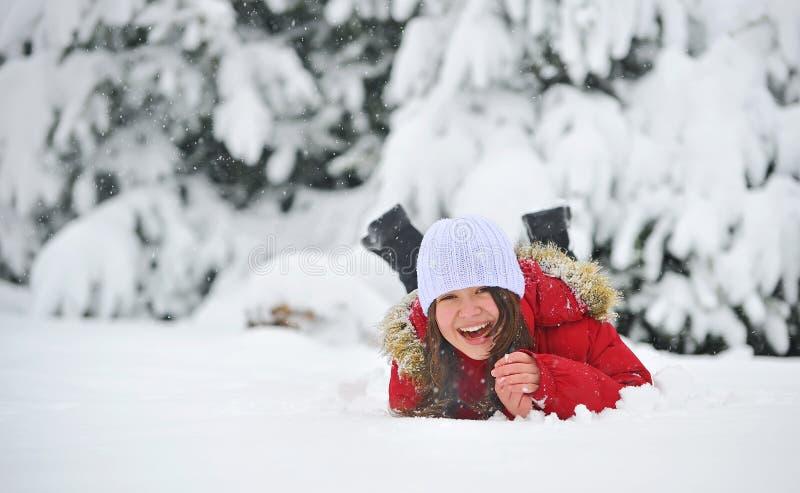 Het spelen in Sneeuw royalty-vrije stock afbeeldingen