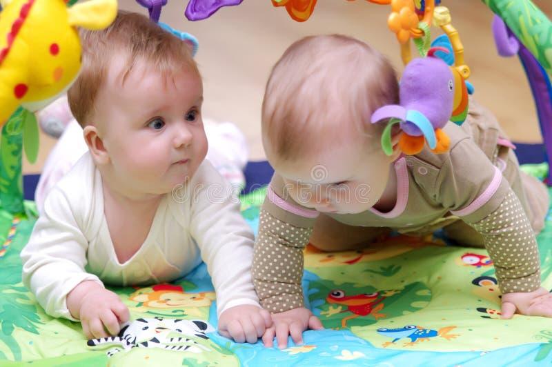 Het Spelen Van Babys Royalty-vrije Stock Afbeelding