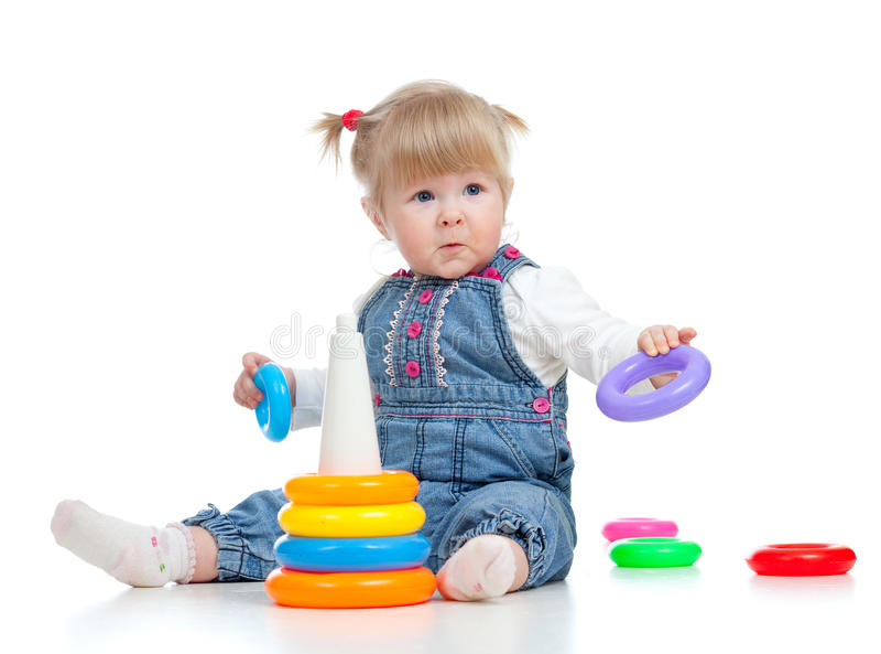 Het spelen van de baby met kleurenstuk speelgoed stock fotografie