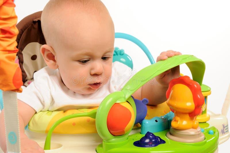 Het Spelen van de baby met Speelgoed stock foto