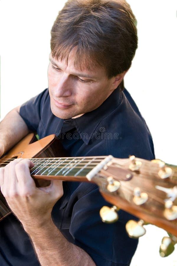 Het spelen van de mens gitaar royalty-vrije stock foto's