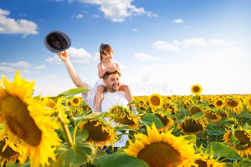Het spelen van de vader en van de dochter royalty-vrije stock foto's