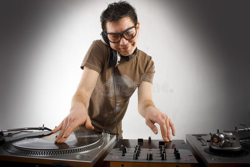 Het spelen van DJ stock foto