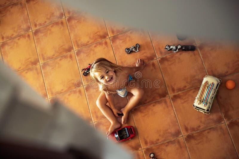 Het Spelen van Little Boy met Speelgoed royalty-vrije stock afbeeldingen