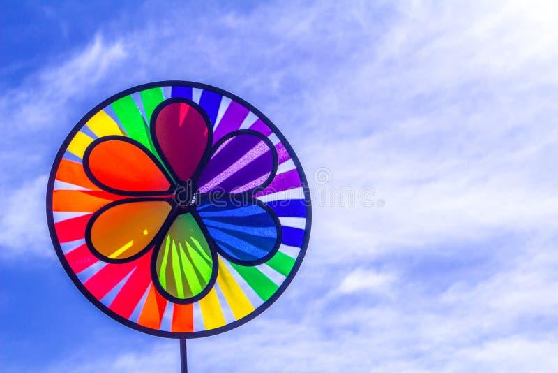 Het spinnende vuurrad van de regenboog lgbt trots Symbool van seksuele minderheden, homosexuelen en lesbiennes royalty-vrije stock foto's