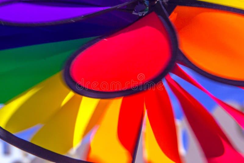 Het spinnende vuurrad van de regenboog lgbt trots Symbool van seksuele minderheden, homosexuelen en lesbiennes royalty-vrije stock afbeeldingen