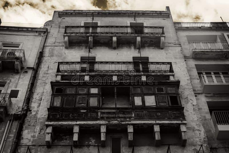 Het Spookhuis in een griezelig weer stock foto's