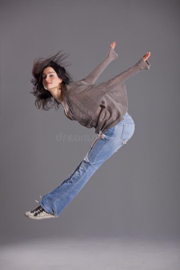 Het springen van de danser stock fotografie