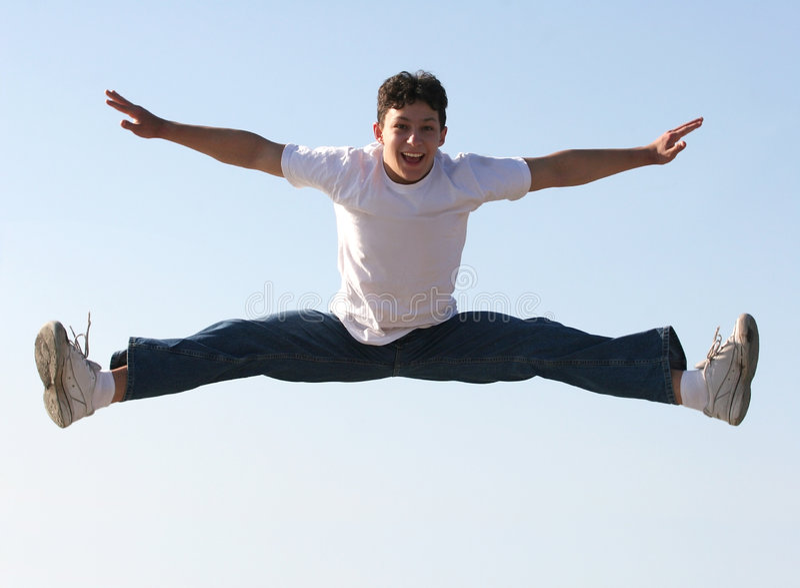 Het springen van de jongen royalty-vrije stock foto