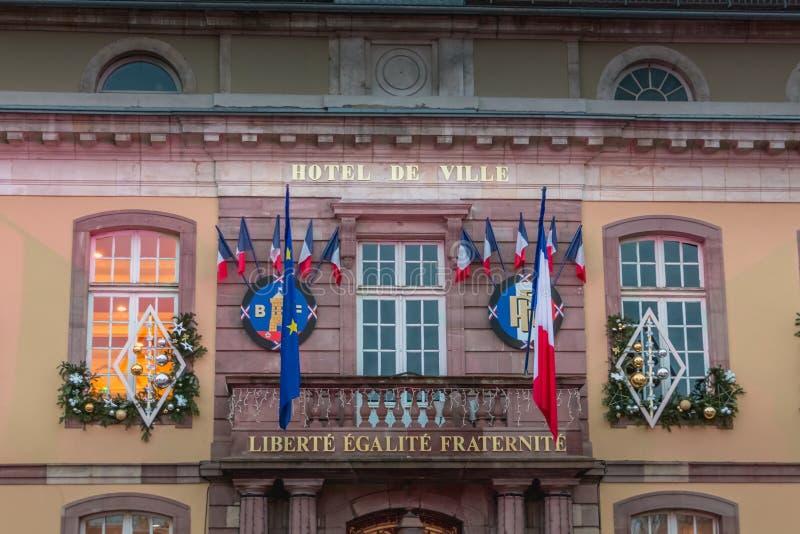 Het stadhuis en de Plaats D ` Armes in Belfort stock fotografie