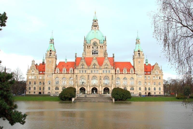 Het stadhuis en het meer van Hanover stock foto