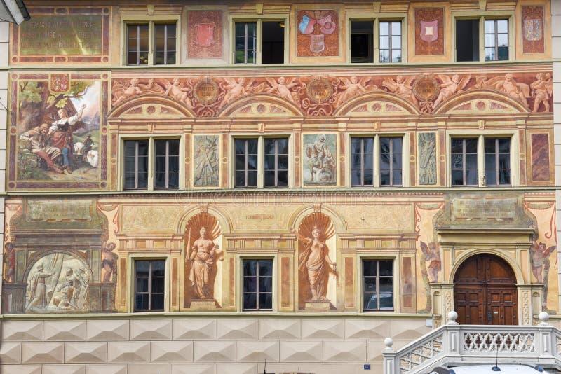 Het stadhuis in Schwyz op Zwitserland stock foto