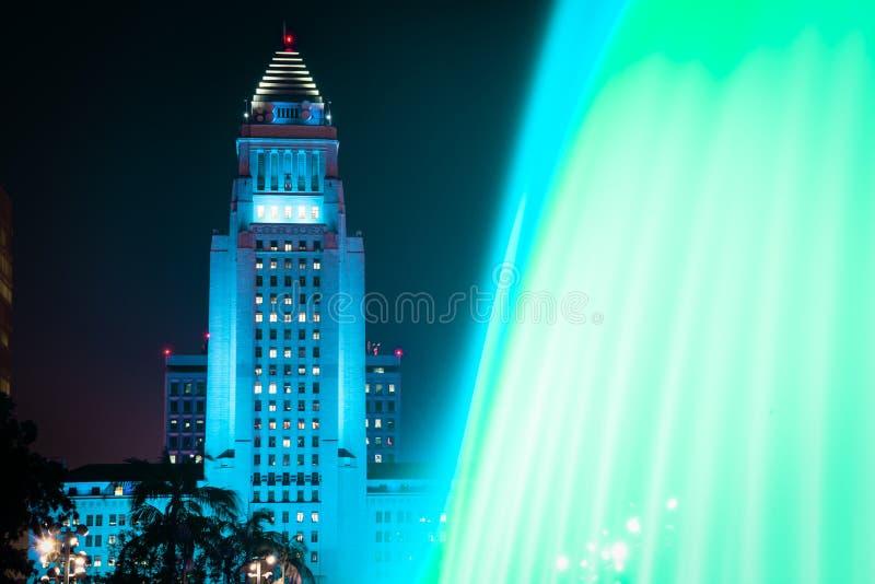 Het Stadhuis van Los Angeles zoals die van het Grote Park wordt gezien royalty-vrije stock fotografie