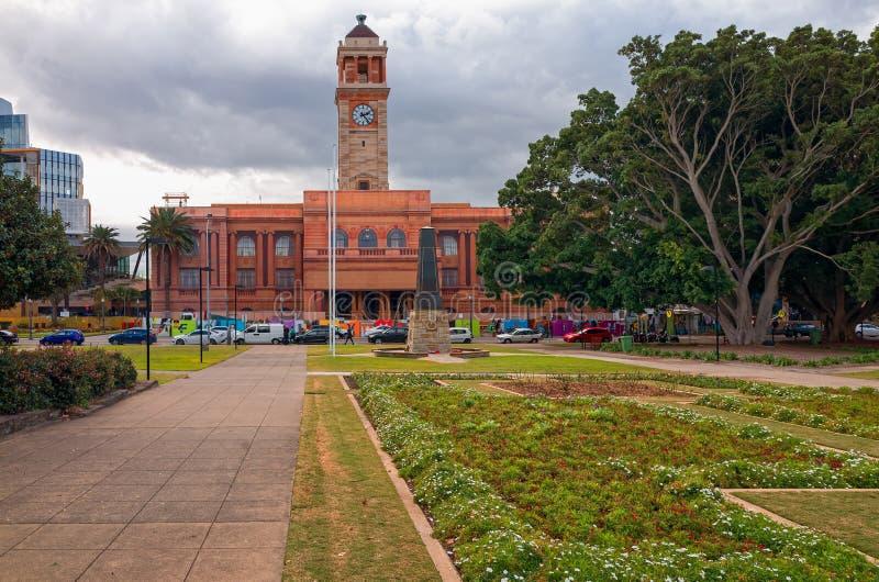 Het Stadhuis van Newcastle Australië en Burgerpark royalty-vrije stock afbeelding