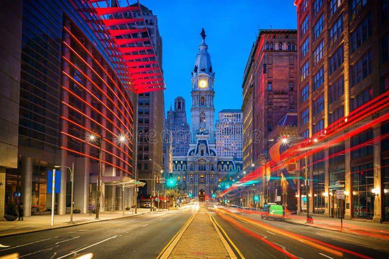 Het Stadhuis van Philadelphia bij nacht stock afbeeldingen