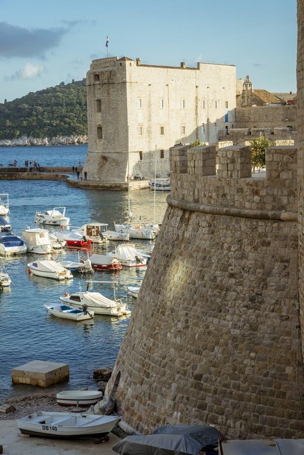 Het stadscentrum van oude stad Dubrovnik - Kroatië stock afbeelding